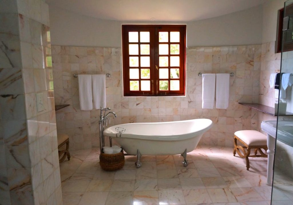 bathtub refinishing weston