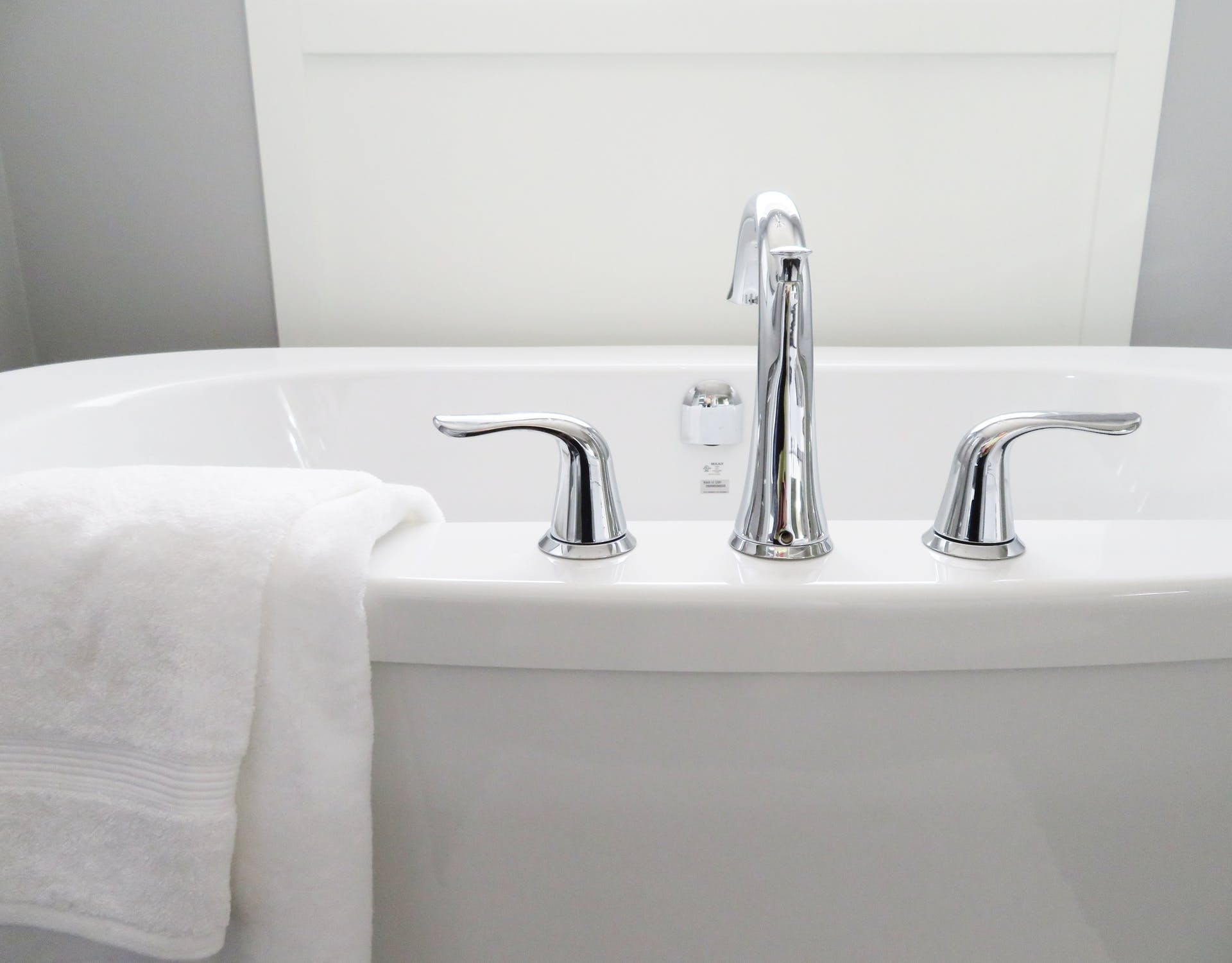 bathtub refinishing wilton manors